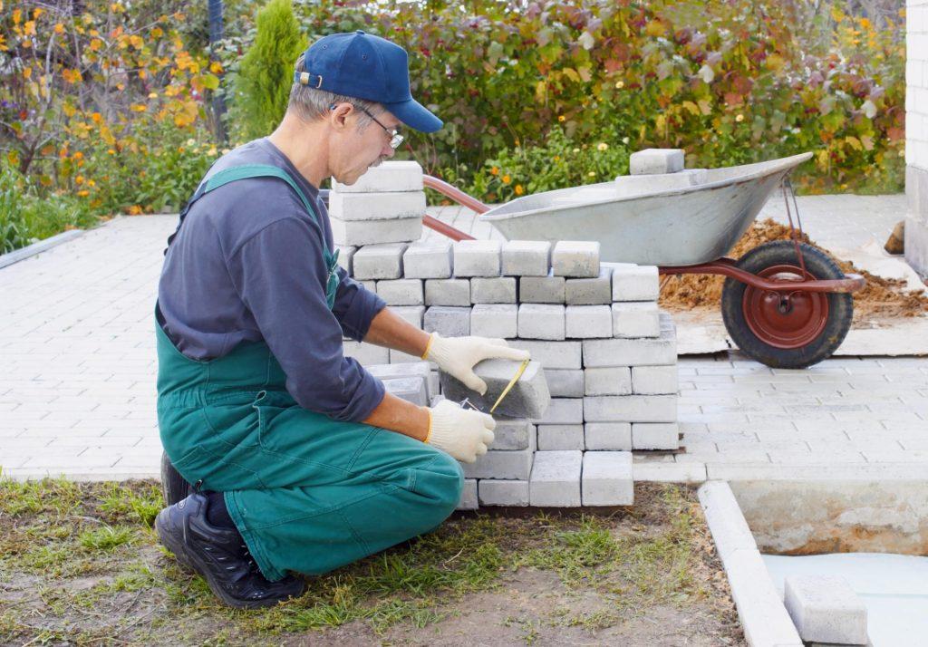 masonry concrete worker stones layering